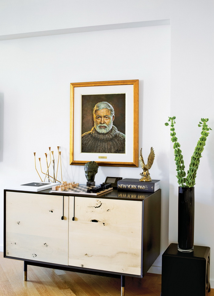 Dwell A Renovated Flat in Moshe Safdie's Habitat '67 peart-weisgerber-console-hemingway