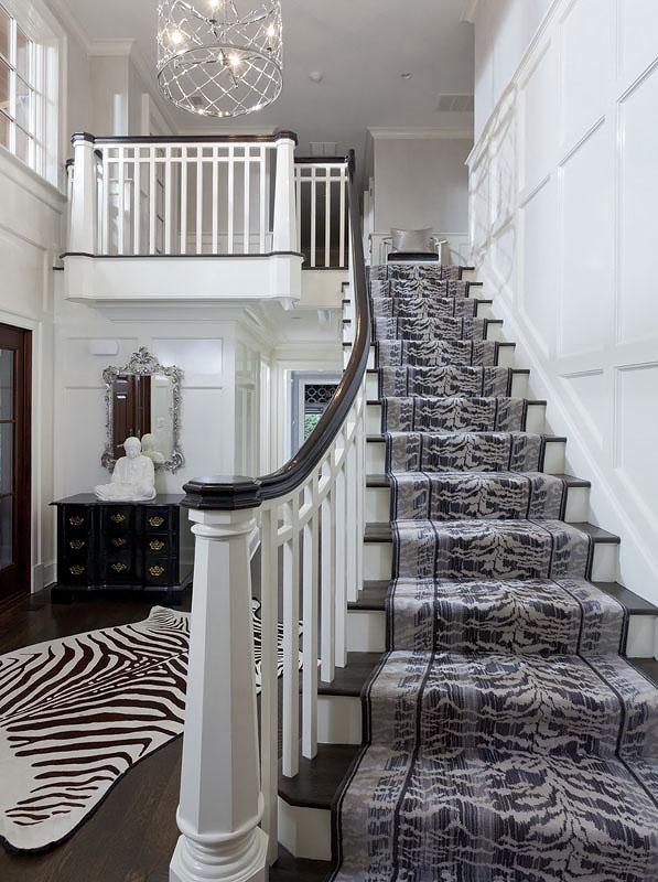 2-darien-front-foyer-pic