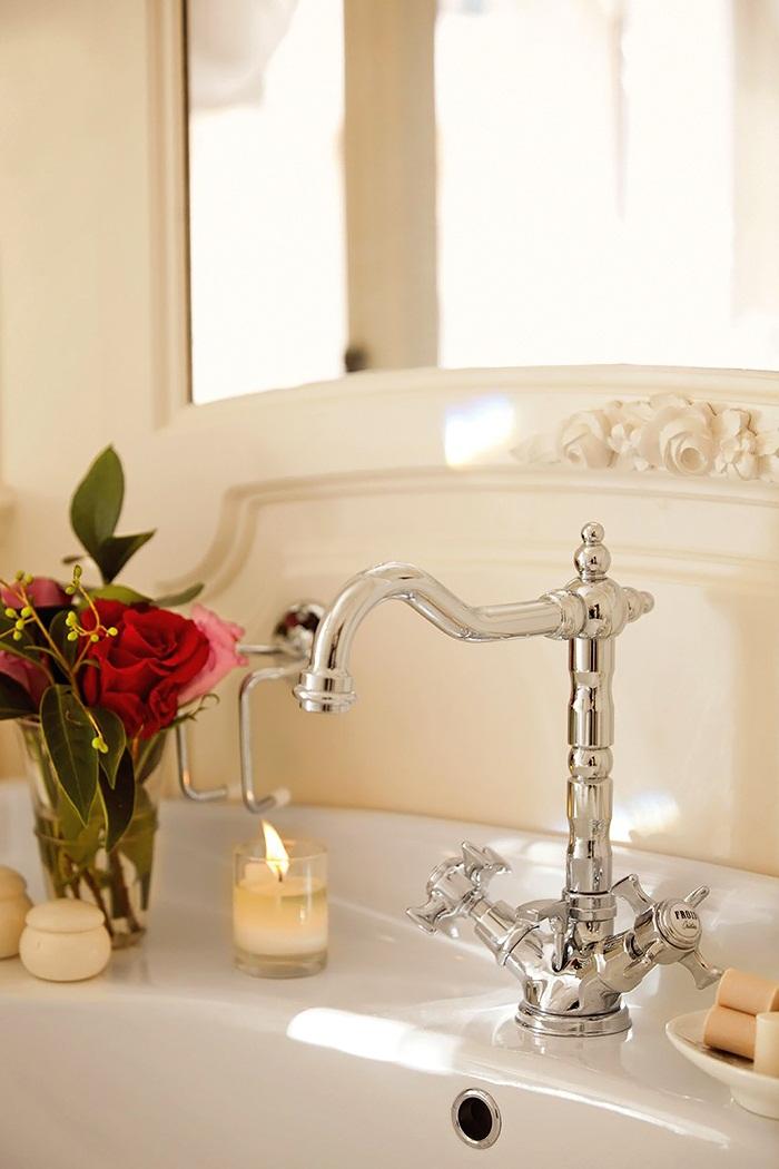 El-Mueble-Un-precioso-dormitorio-de-estilo-gustaviano-7