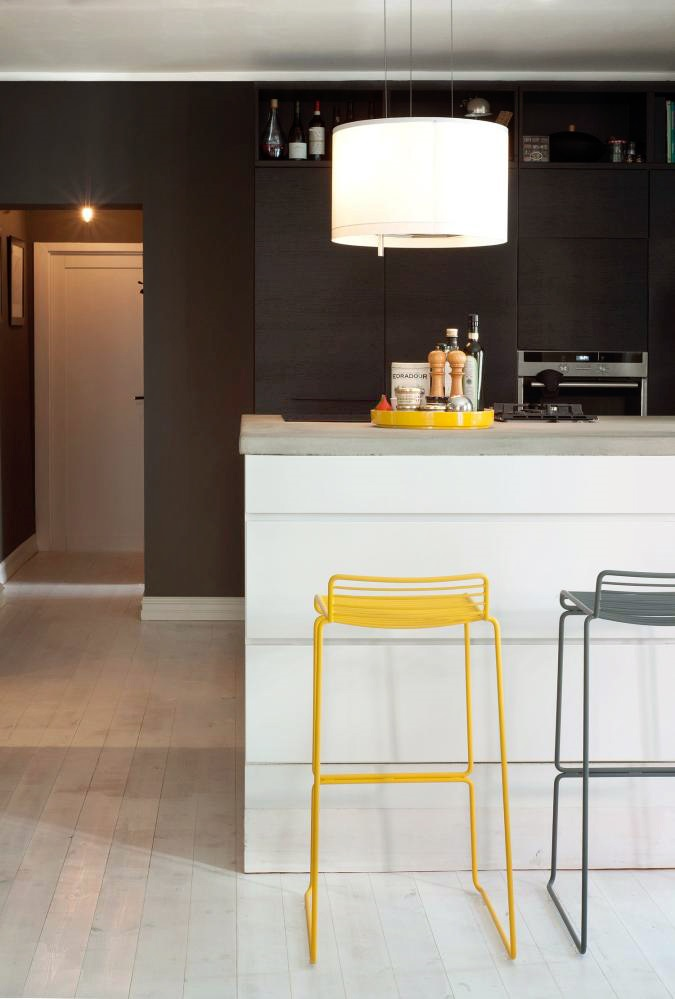 Klikk-I-denne-Oslo-leiligheten-er-alle-vegger-gra-6