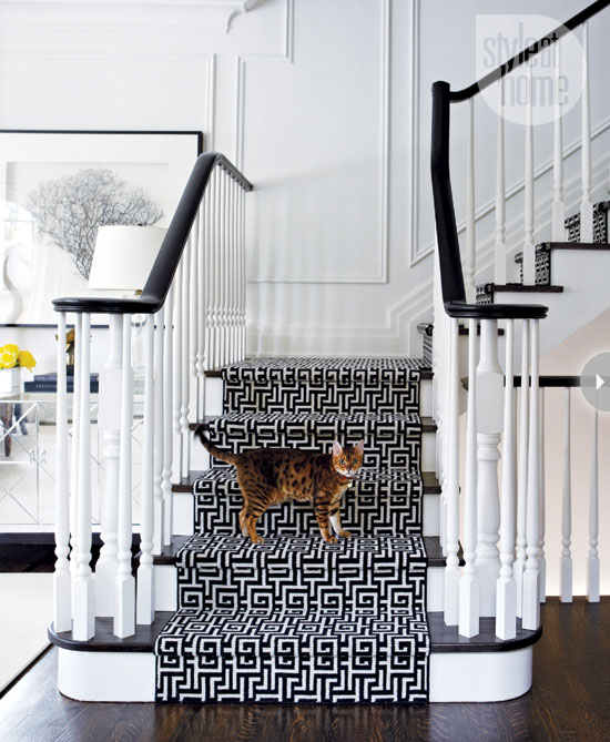 Style At Home Interior Classic elegance classic-elegance-staircase