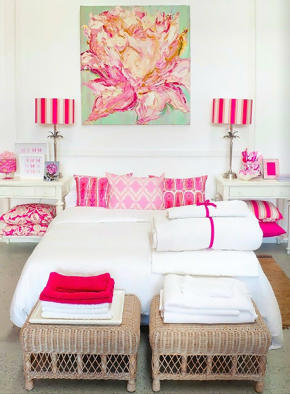 ivypiper_white_feminine_bedroom