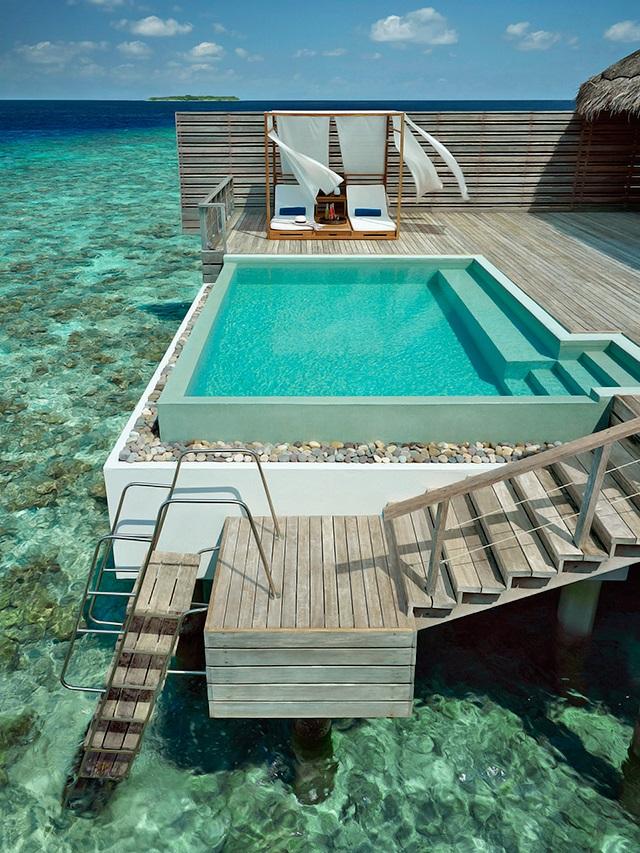 Dusit Thani Maldives 10