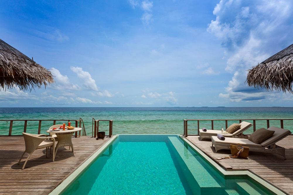 Dusit Thani Maldives 12