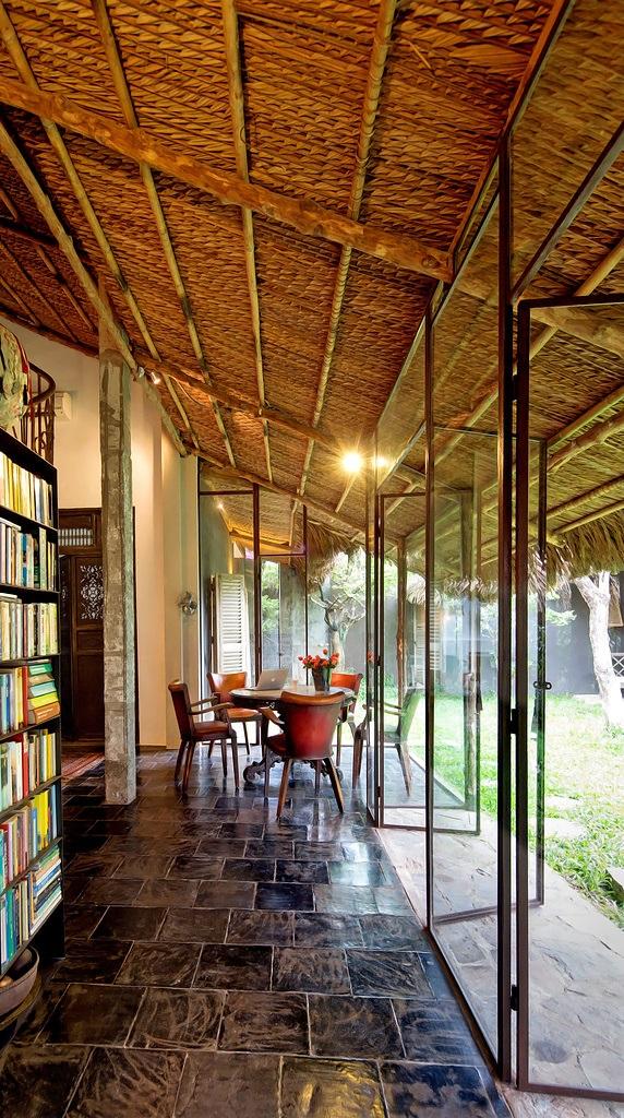 Decordemon exotic retreat in vietnam - Kleur idee corridor ...