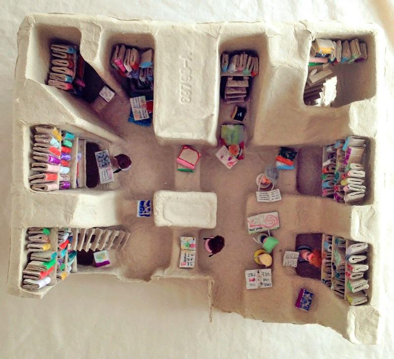 Kireei cosas bellas Mini biblioteca reciclada 6