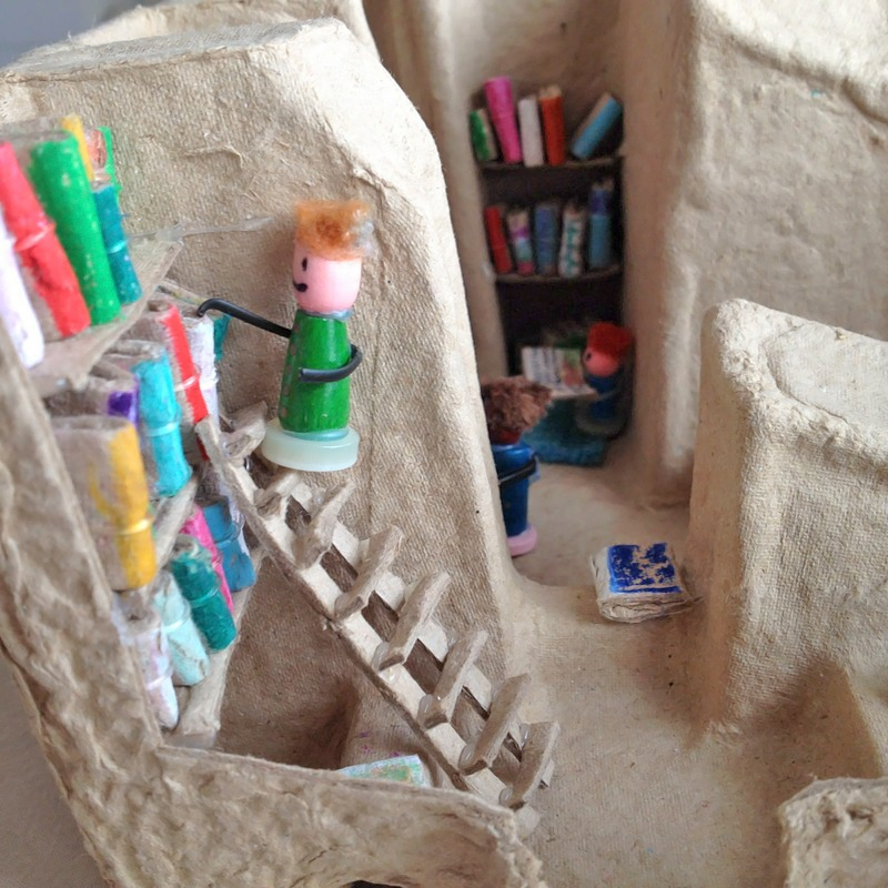Kireei cosas bellas Mini biblioteca reciclada 7