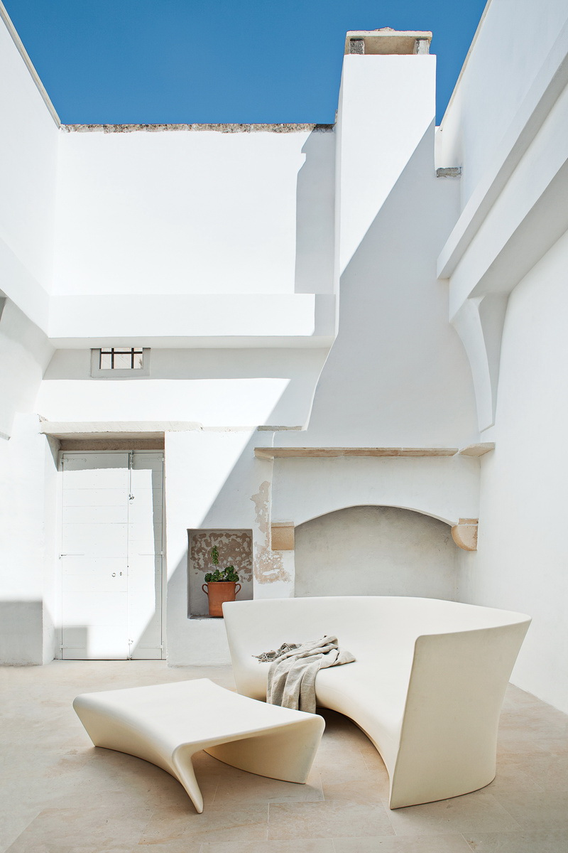 Dwell Modern Meets Ancient in a Renovated Italian Vacation Home 7