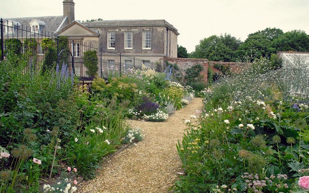 Arne Maynard Garden Design 12