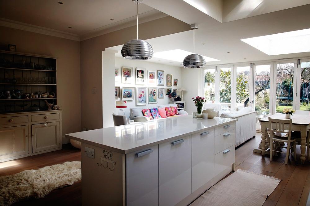 Un sal n en la cocina decorar tu casa es - Cocina en salon ...