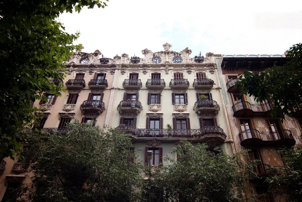 airbnb Carrer de la Diputacio Barcelona 1