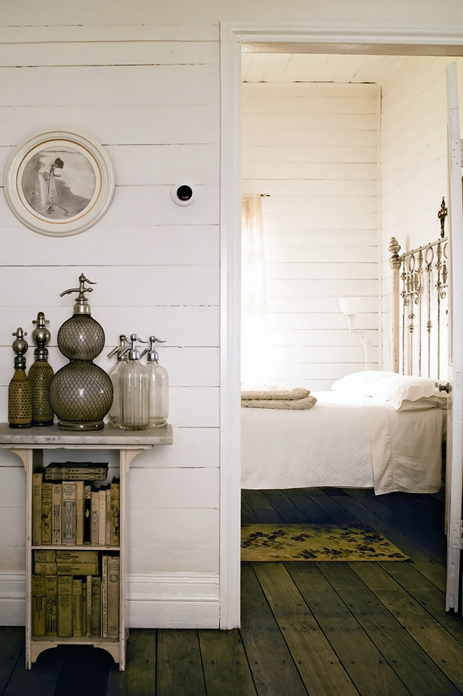 Homelife-White-country-cottage-7