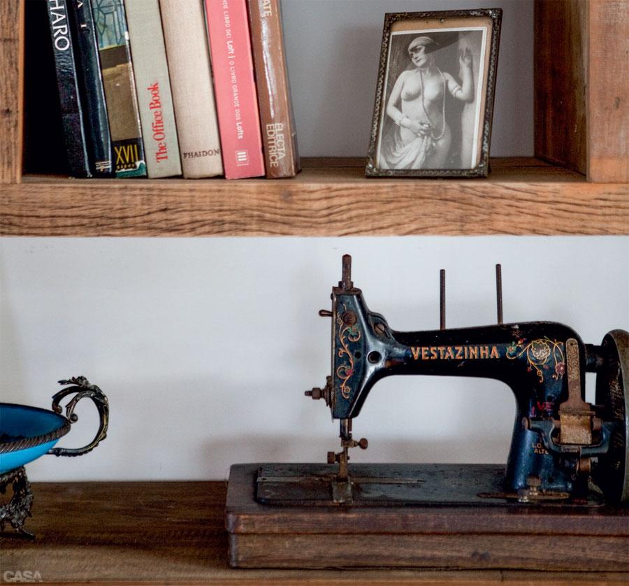 Casa.com.br Casa e repleta de moveis vintage e objetos com historia 8