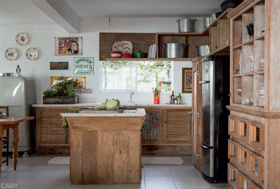Casa.com.br Casa e repleta de moveis vintage e objetos com historia 9