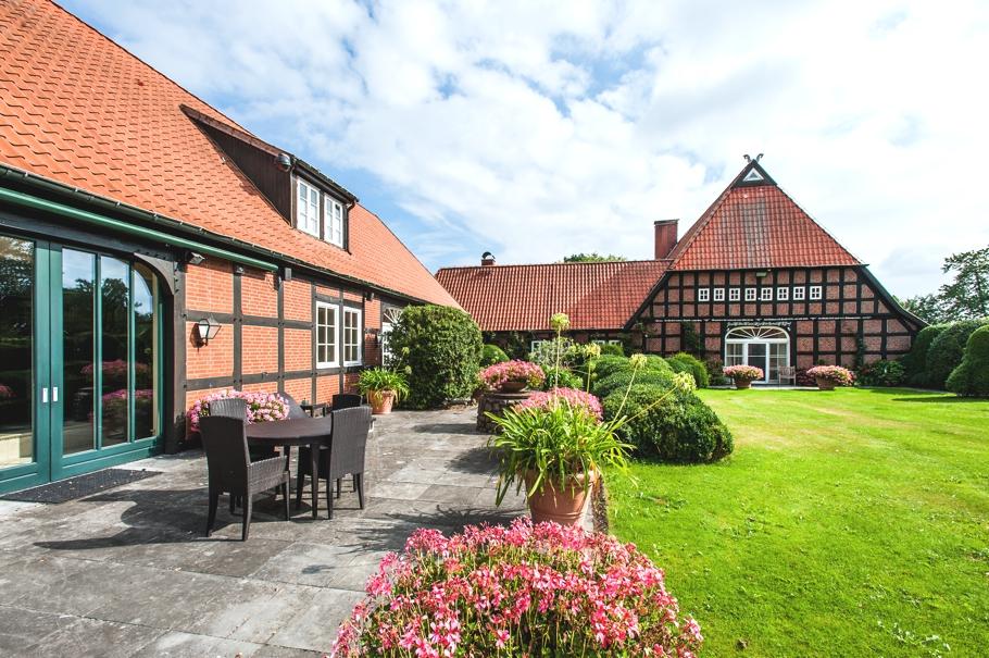 ADELTO Horse Farm & Сottage Germany 4