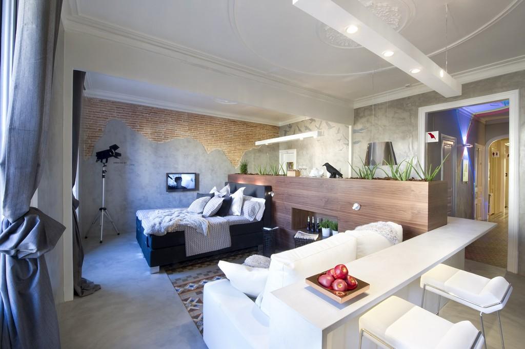 Arthitectural Aparthotel Suite Bates Motel 3