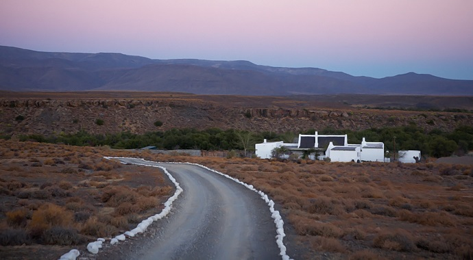 House-and-Leisure-rustic-karoo-farmstead-12