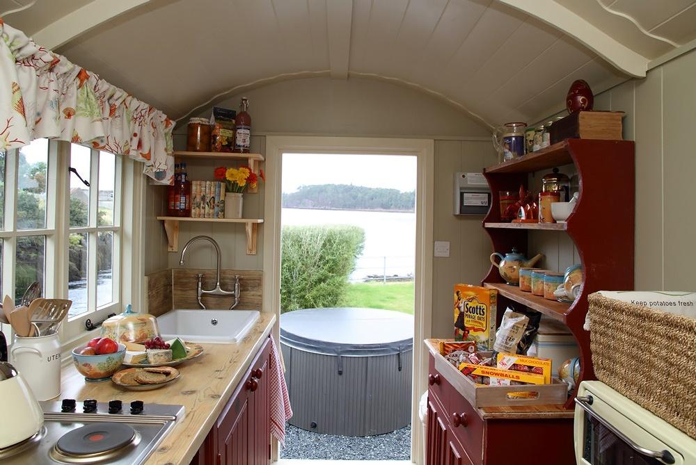 """интерьер маленькой летней кухни фото """" Новый оригинальный дизайн"""