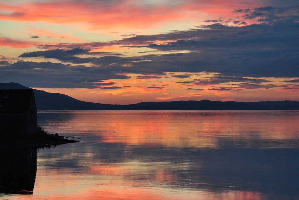 Stardust-Scotland,-luxury-self-catering-Boathouse-16
