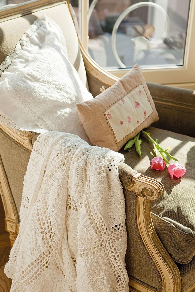 El-Mueble-Ariadna-Mateu-Vuelve-el-romanticismo,-vuelve-el-crochet-4