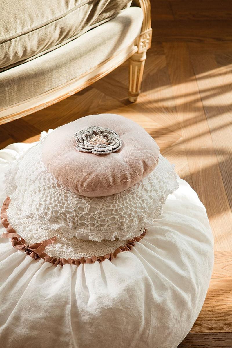 El-Mueble-Ariadna-Mateu-Vuelve-el-romanticismo,-vuelve-el-crochet-5