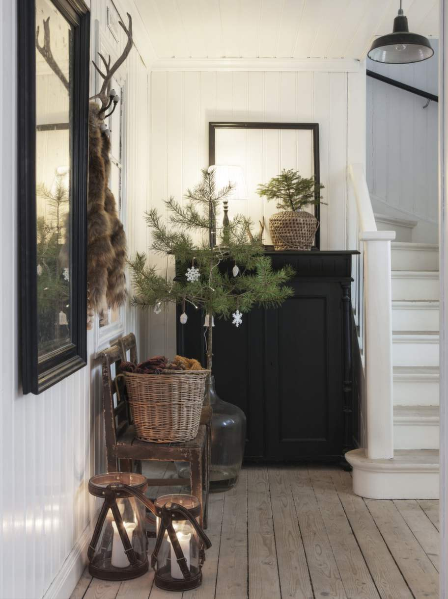 Decordemon christmas house in sweden by stylist anna truelsen for Anna decoration in home