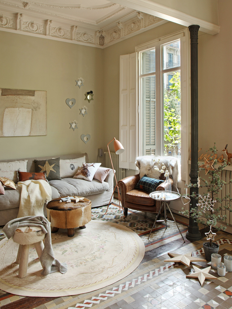 Un piso se orial en colores arena y decoraci n navide a - Ideas para pintar un piso ...