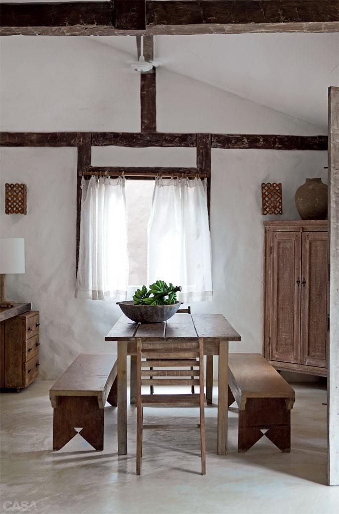 Casa Com Br Casa de praia com muita madeira e branco em Trancoso 4
