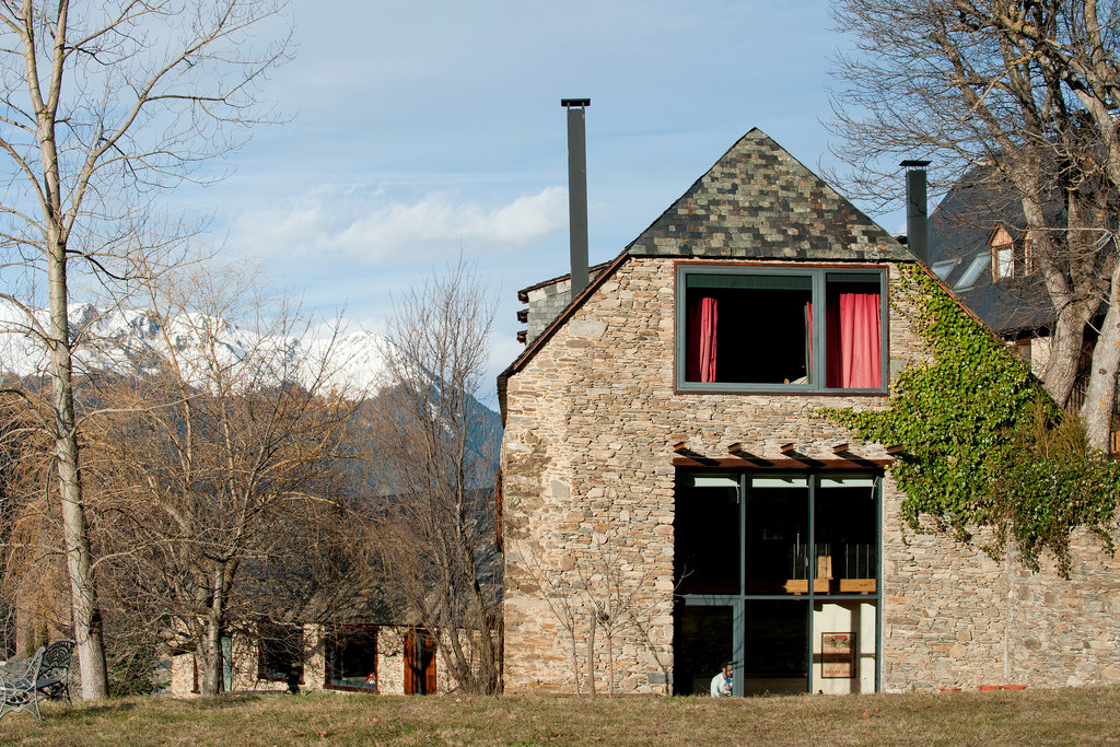 NYTimes A Home in the Spanish Pyrenees 1
