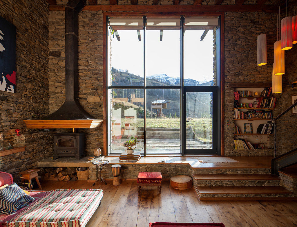 A Renovated Farm House In The Spanish Pyrenees