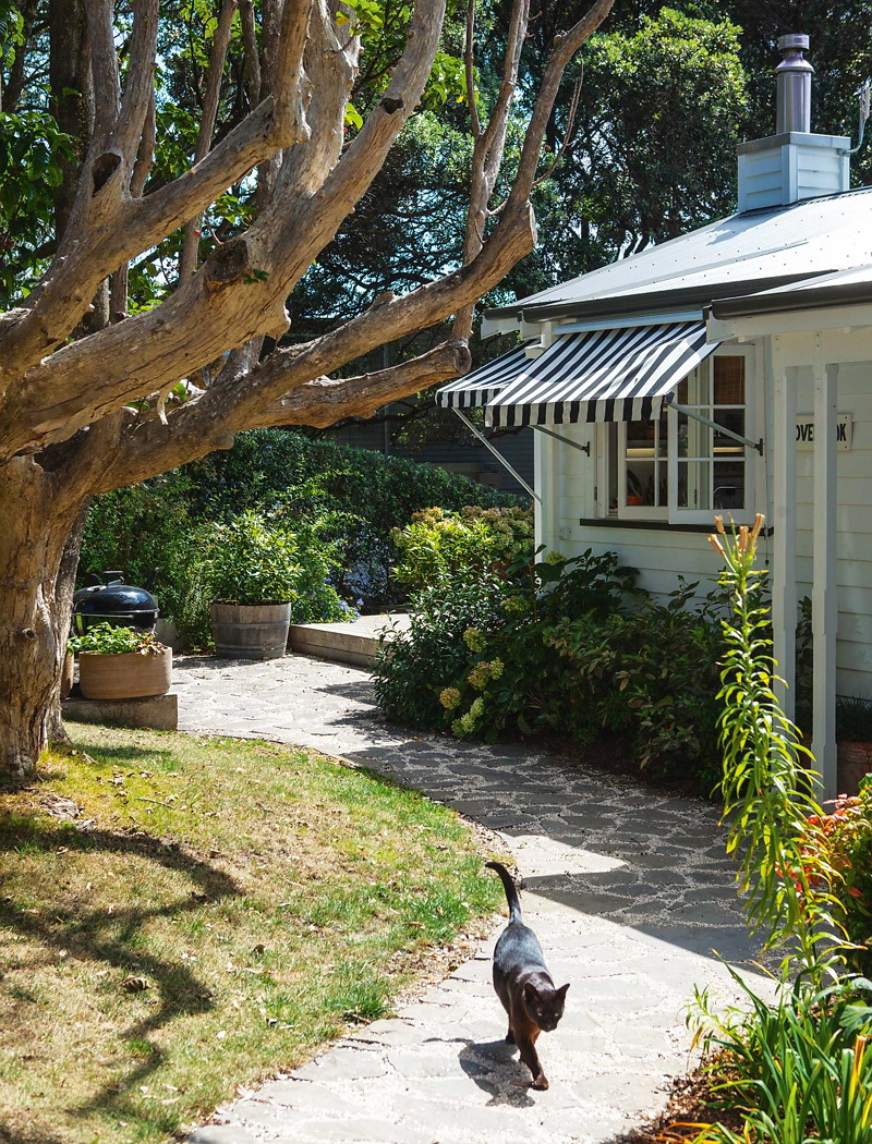 NZ House and Garden Summery cottage 2