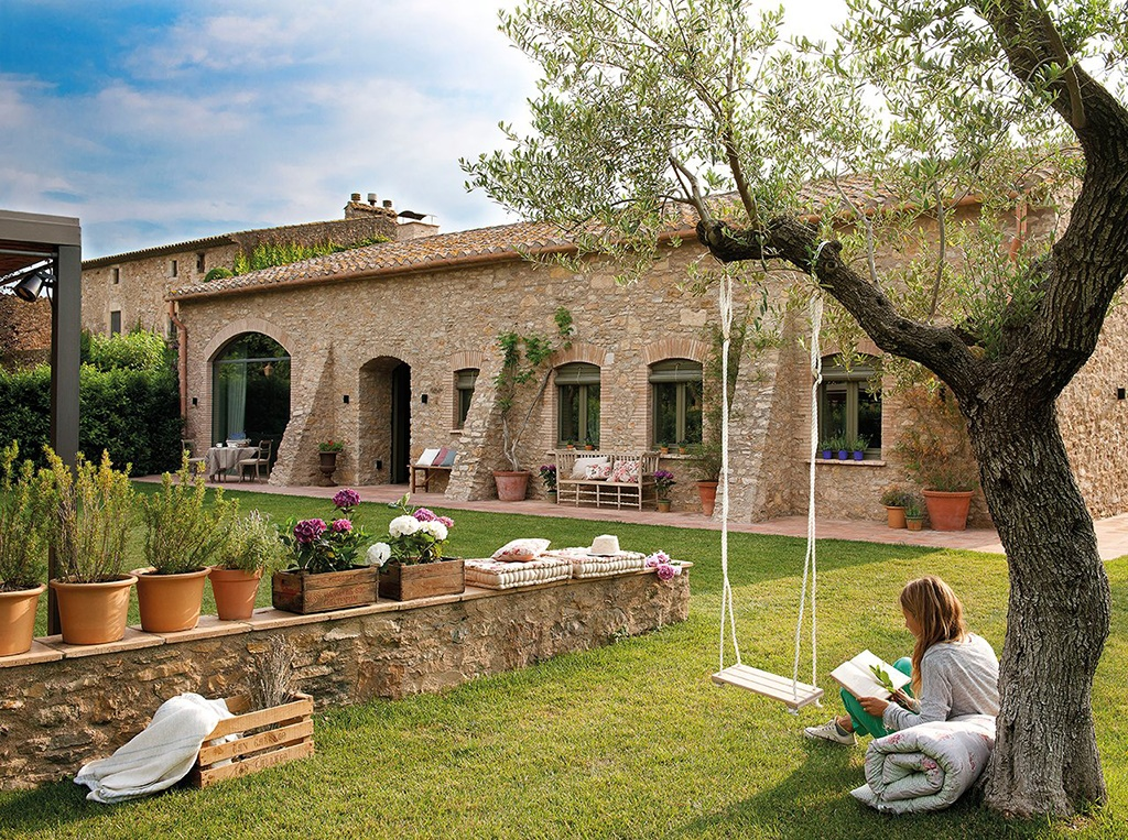 Decordemon a stone country house in spain for Spanish country houses