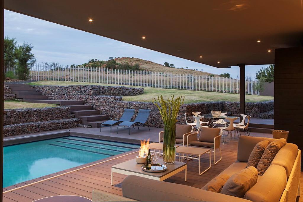 House Duk by Nico van der Meulen Architects 11