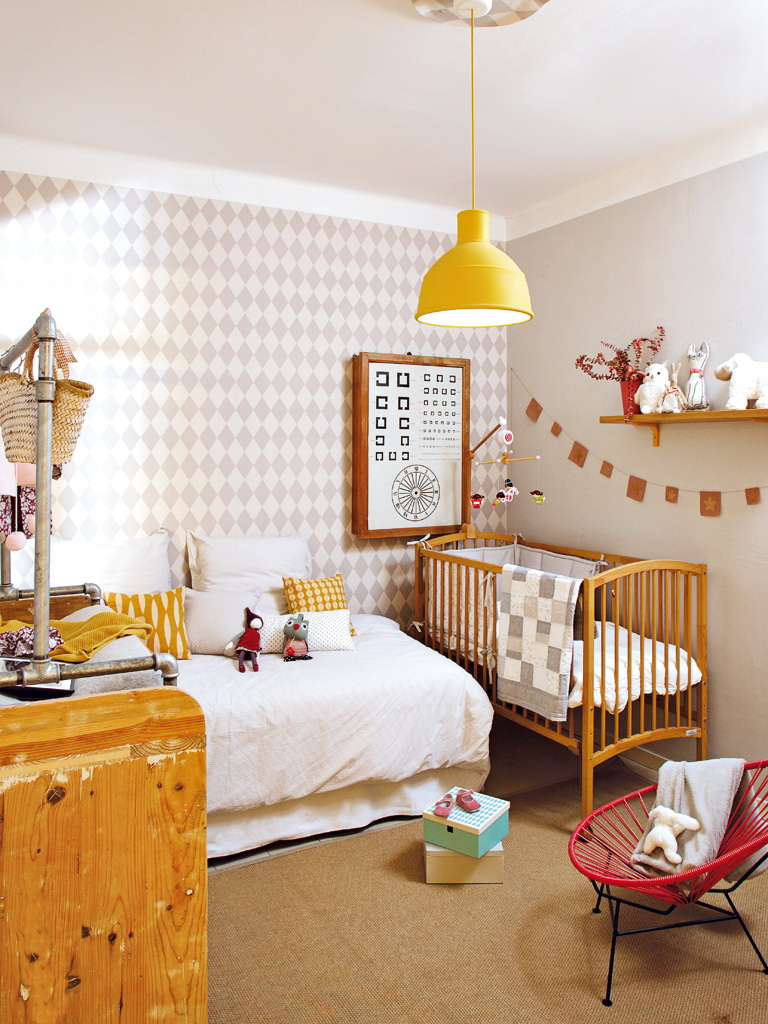Decordemon: a bright apartment in vintage style