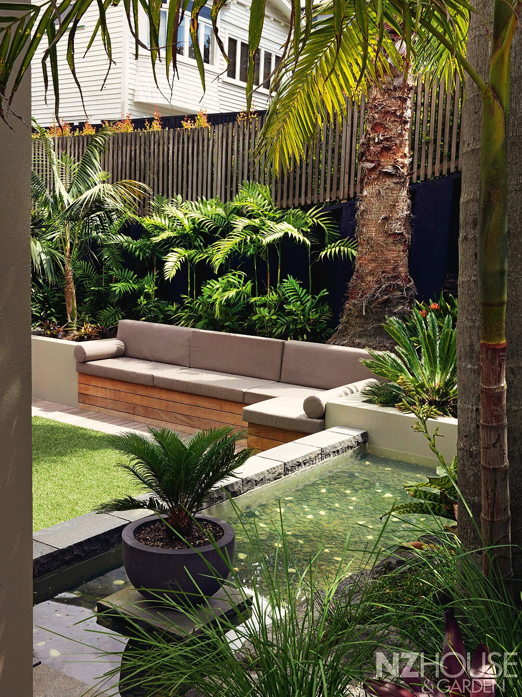 Tropical-courtyard-garden-6