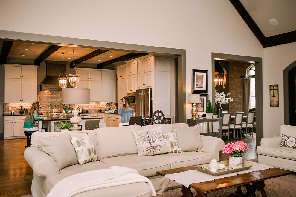 Houzz Better Flow for Feasts and Family in Alabama 2