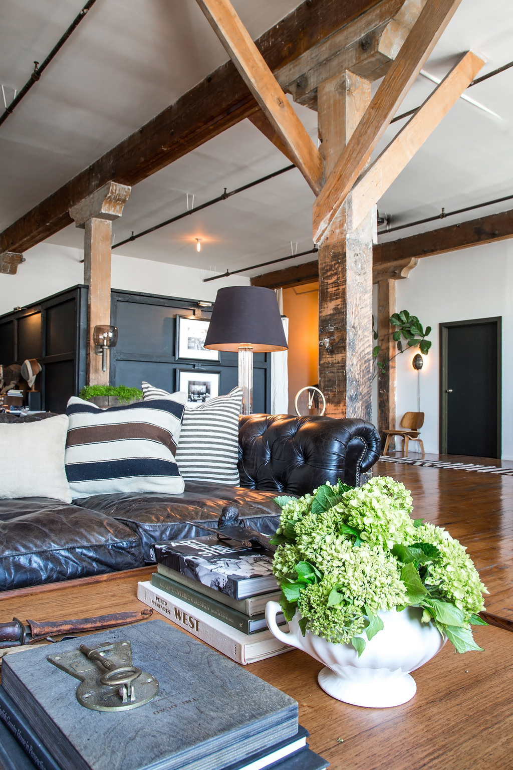 Apartment-Therapy-Arts-District-Loft-10