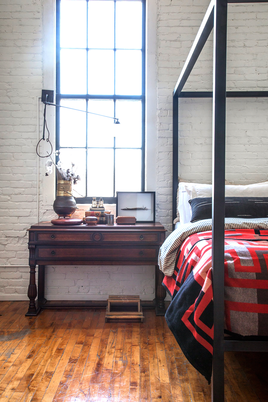 Apartment-Therapy-Arts-District-Loft-19
