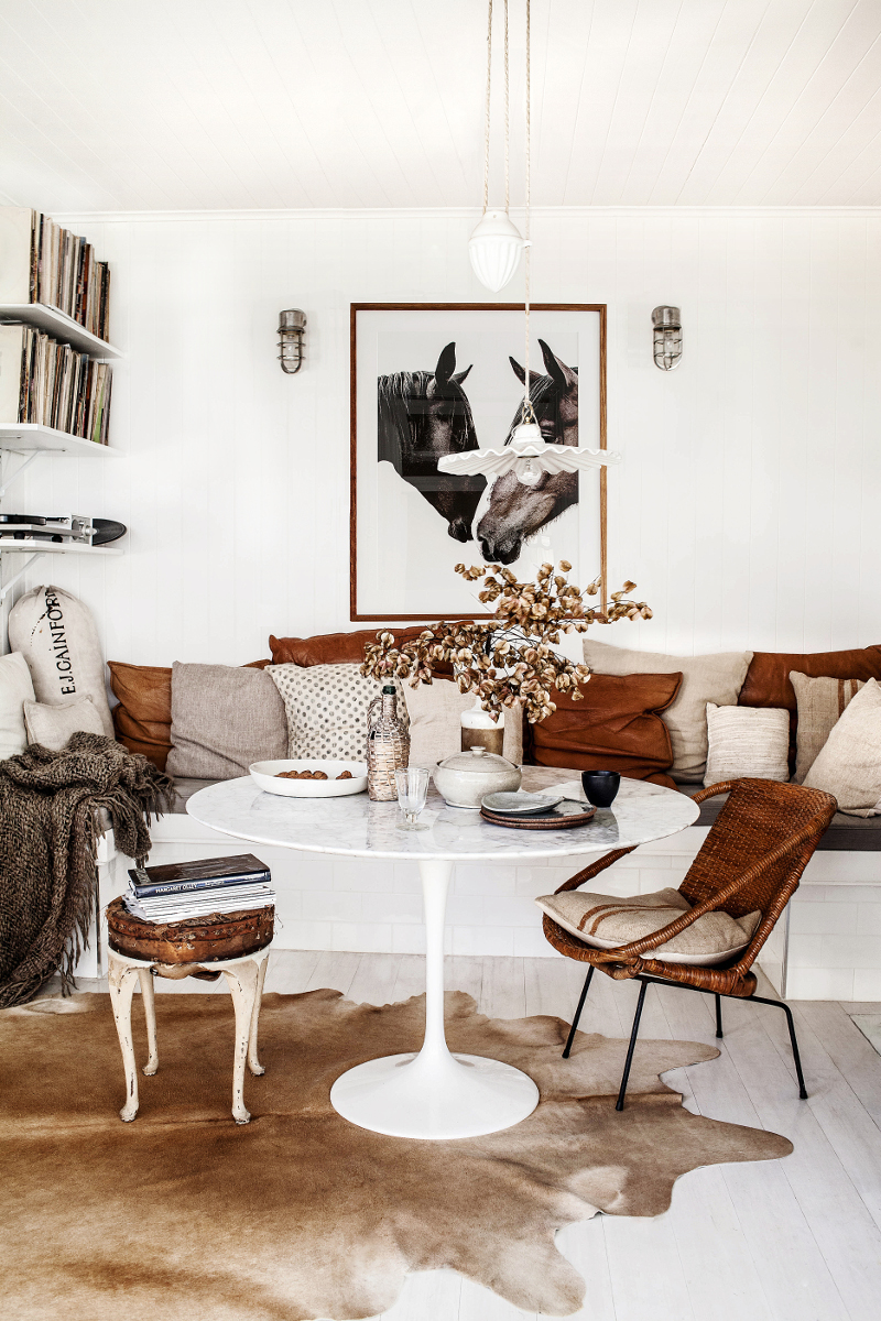 DesignSponge A Collector at Home in Australia  3