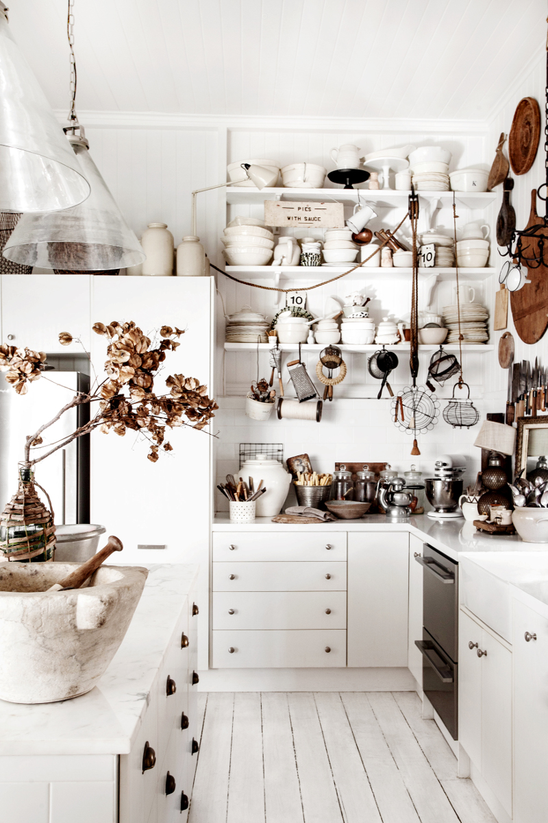 DesignSponge A Collector at Home in Australia  5