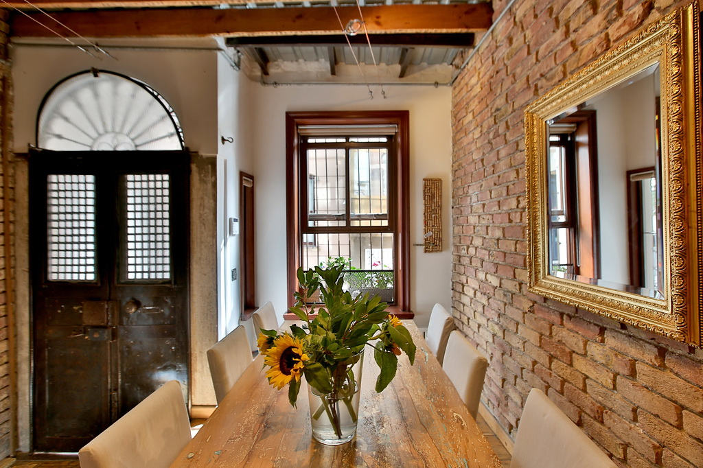 NYTimes A DUPLEX APARTMENT IN ISTANBUL 1