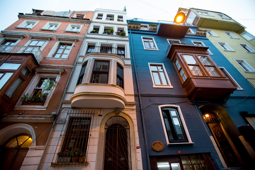 NYTimes A DUPLEX APARTMENT IN ISTANBUL 10