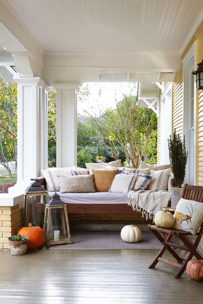 Decordemon a cottage with plenty of southern charm - Porches de casas ...