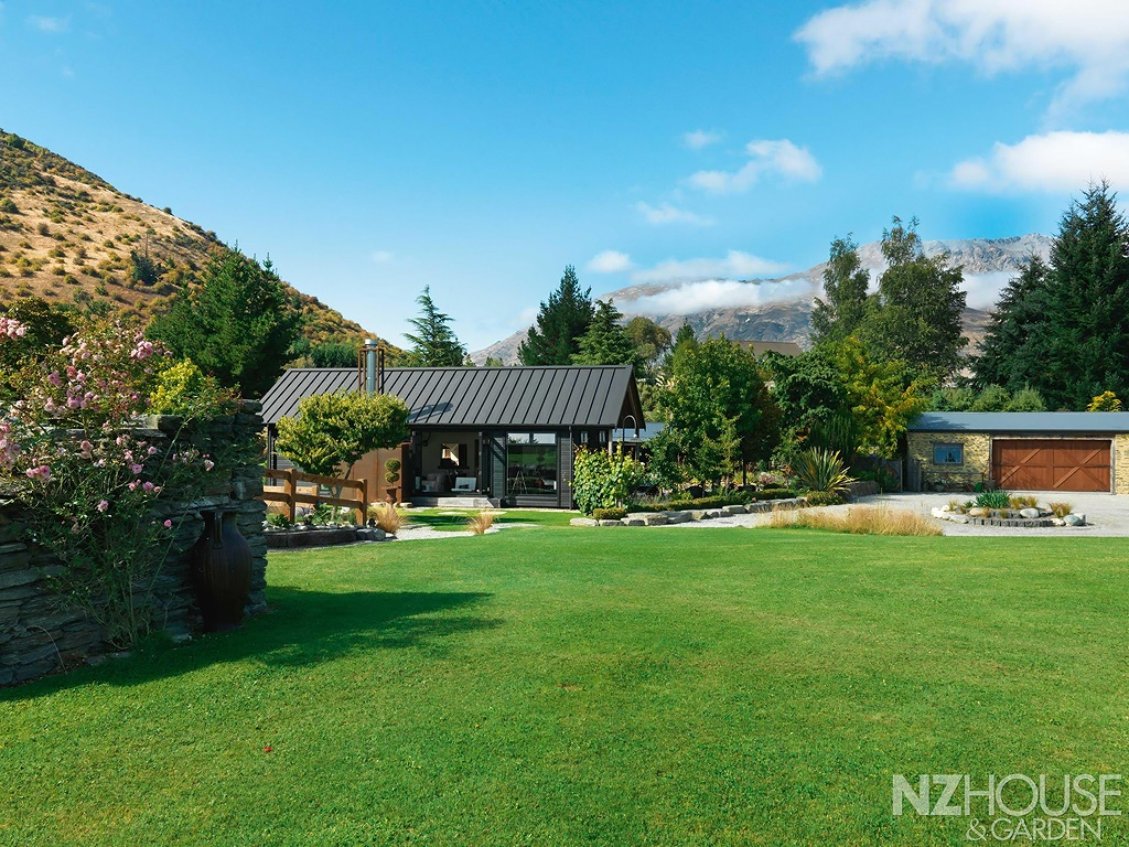 NZ-House-and-Garden-Striking-gold-1