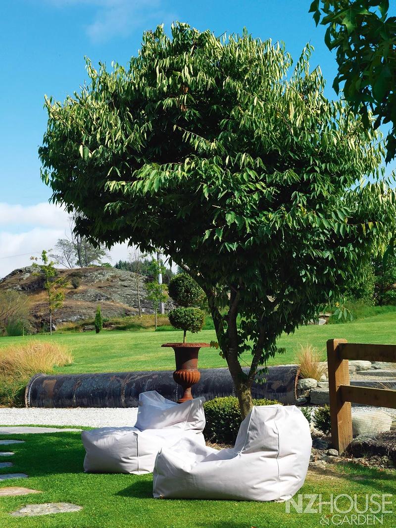 NZ-House-and-Garden-Striking-gold-2