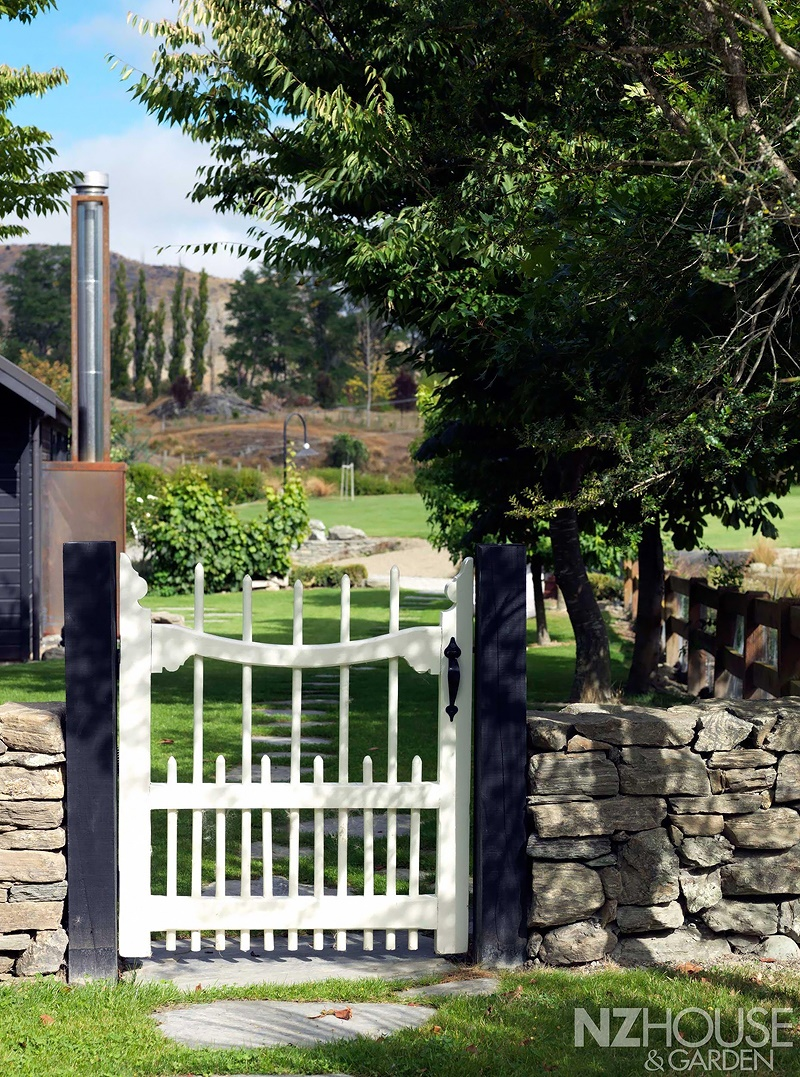 NZ-House-and-Garden-Striking-gold-11