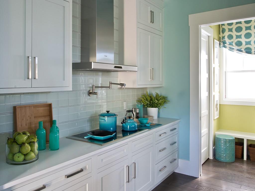 HGTV-Smart-Home-Kitchen-3