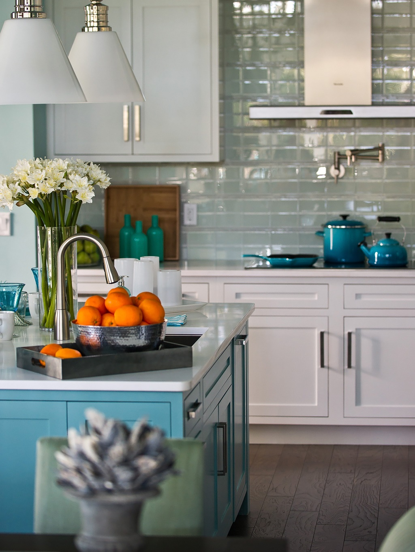 HGTV-Smart-Home-Kitchen-4