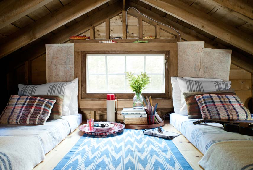 little-house-on-the-lake-sleeping-loft-0912-xln