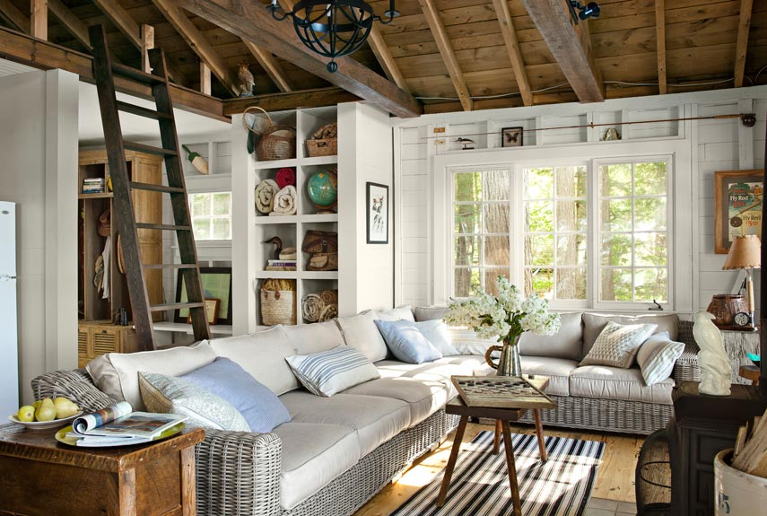 little-house-on-the-lake-couch-living-area-0912-xln